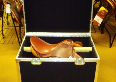 Standard-English-Saddle-Box